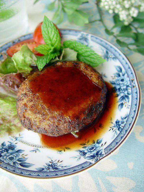 ヴィーガンデリベジハンバーグ調理イメージ
